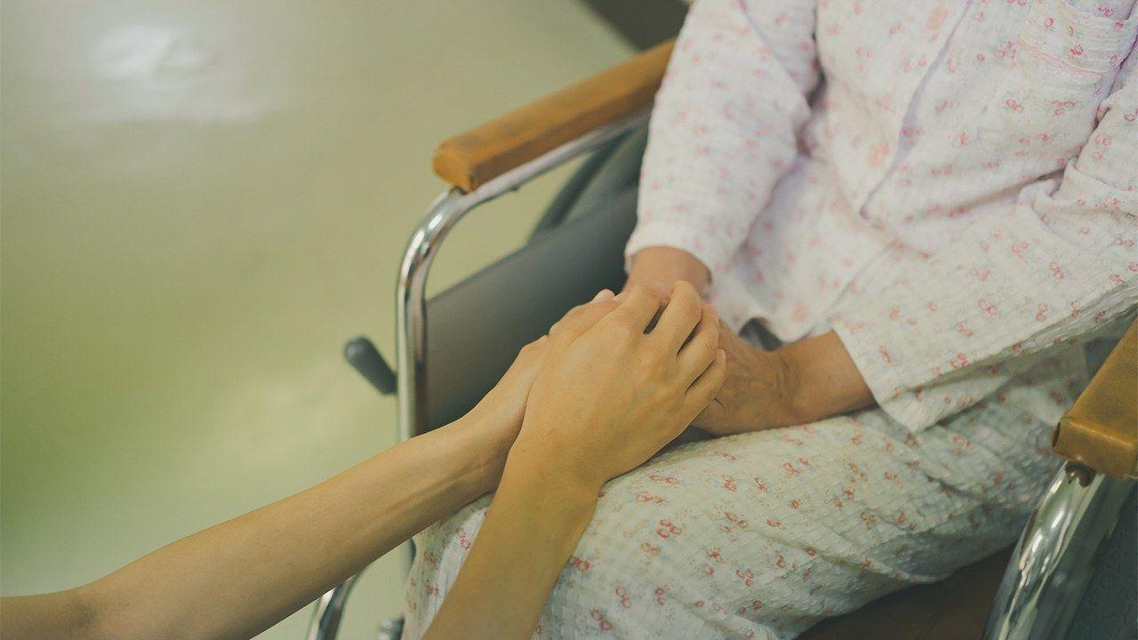 دراسة يابانية تكشف عن معاناة مرضى السرطان في أيامهم الأخيرة Nippon Com