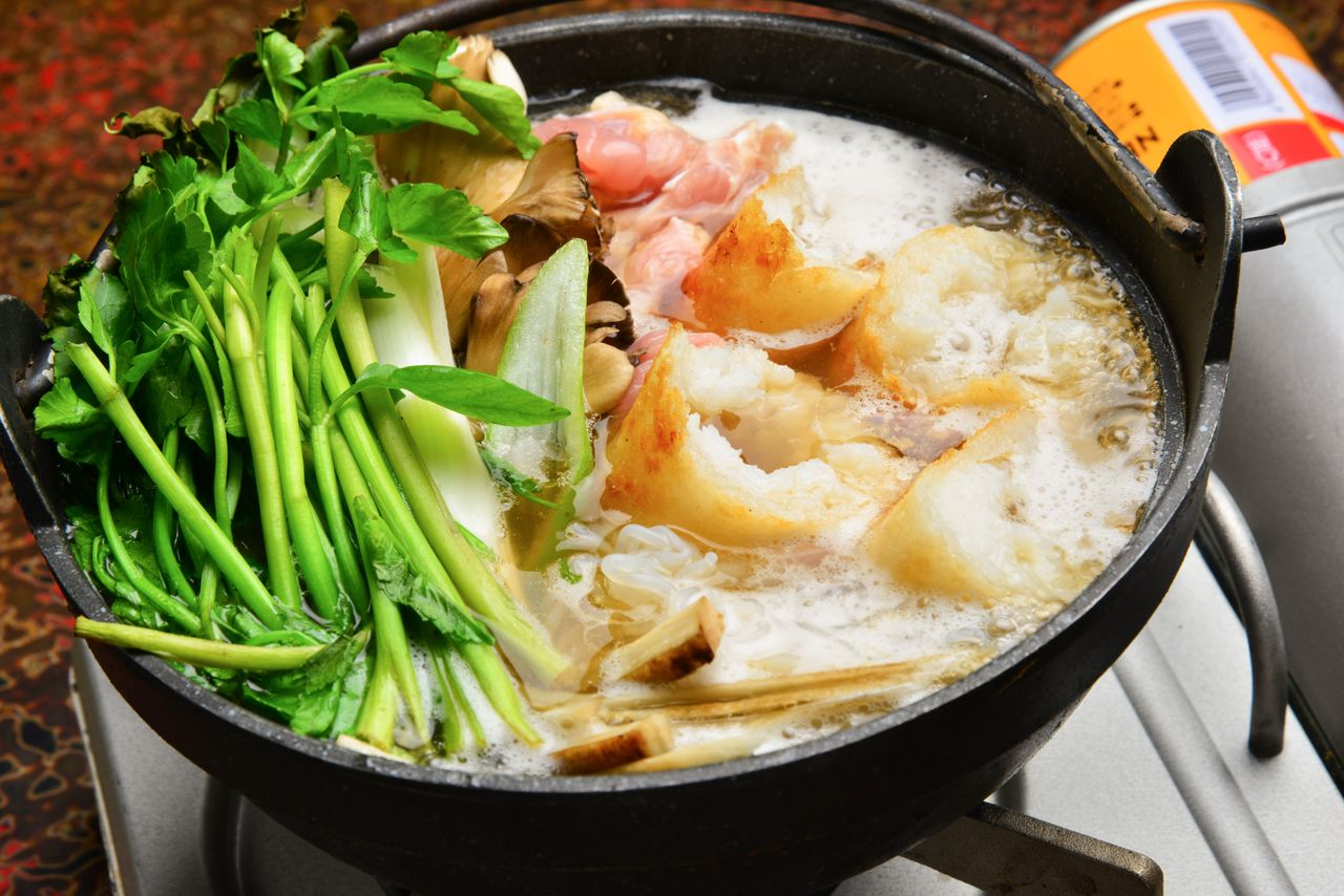 Customers can order kiritanpo-nabe in servings for one or more persons.