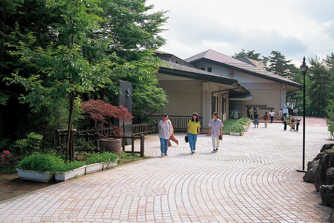This cobblestone path leads to the Miyazawa Kenji Memorial Museum. (Courtesy of the Iwate Tourism Association)