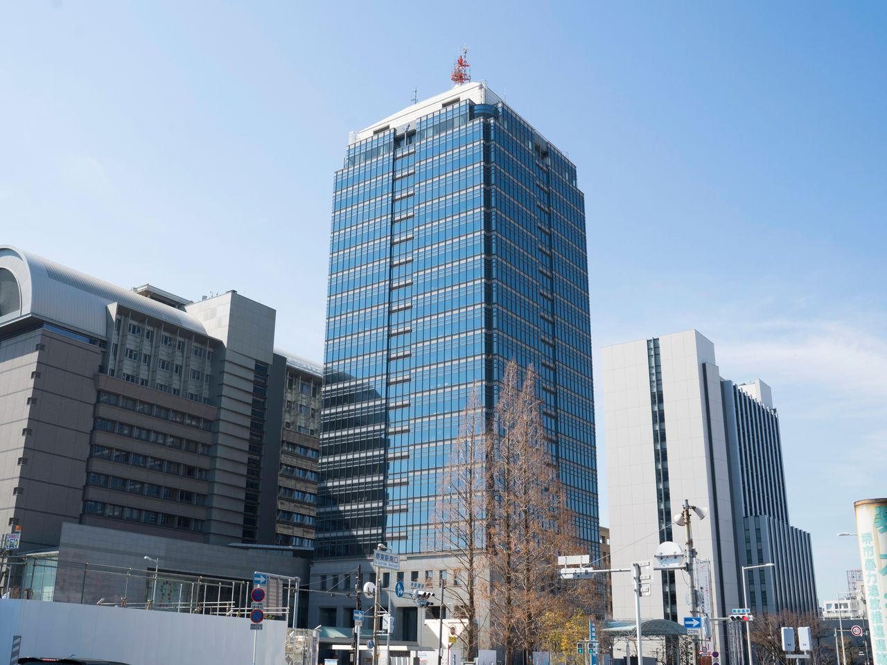 The Sakai City Hall tower is easy to spot and offers a free observation deck on its top floor.