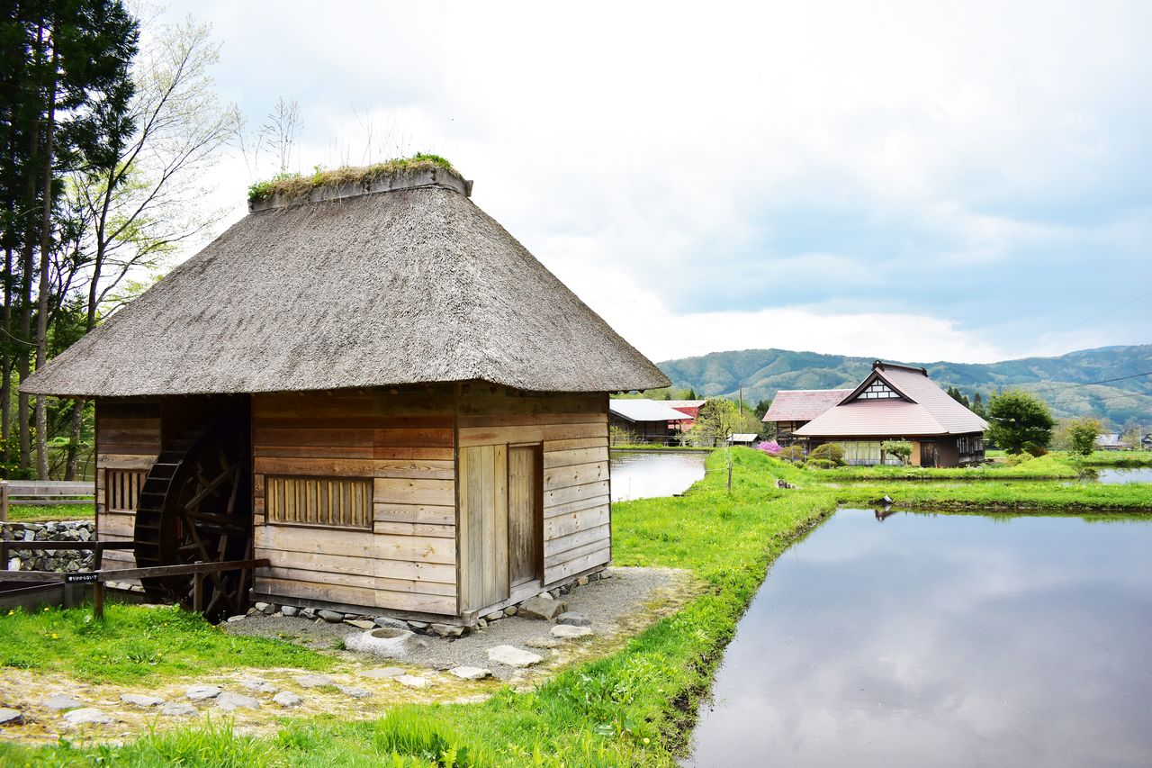 The Yamaguchi waterwheel, one of the distinctive sights of Tōno, was once actually used for threshing and milling of grain.