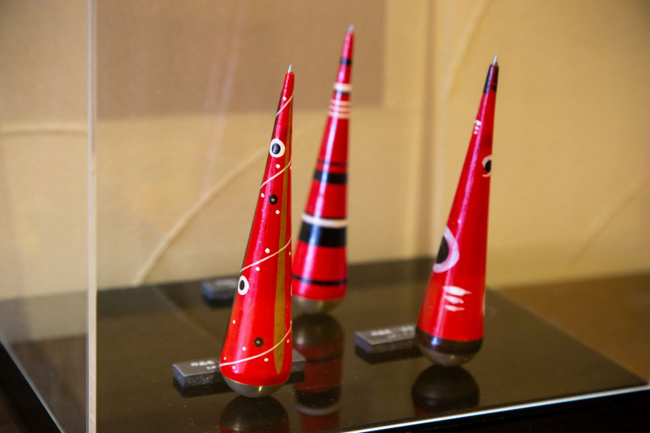 Hashimoto created these folk-design inspired pens, which stand upright when tipped over, in 2013. They feature designs by Harada Masahiro, principal of Mount Fuji Architects Studio.