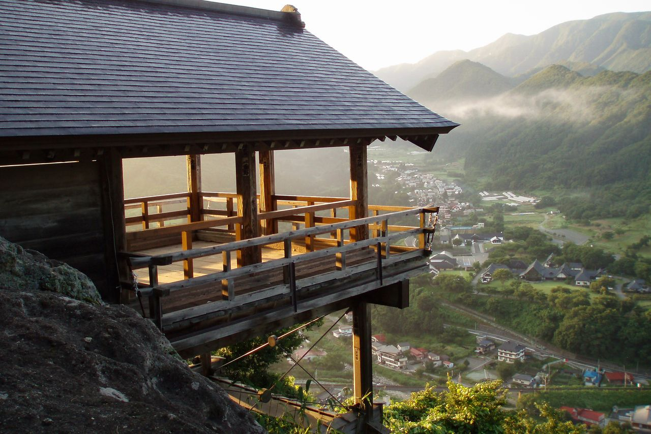 The Godaidō viewing platform juts out over the mountainside. (Photo courtesy of the Yamagata Tourist Association)