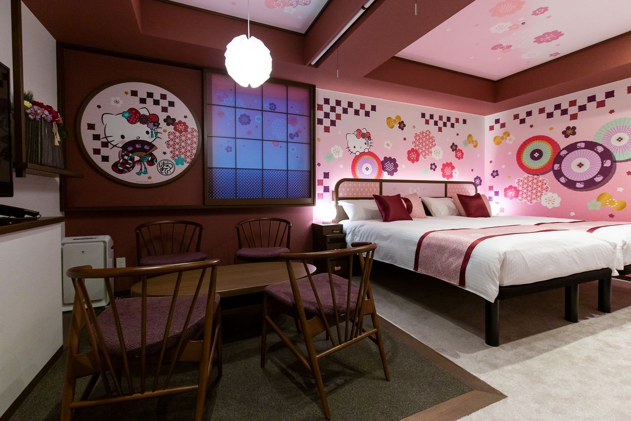 The chic Wa-Modern room is full of Hello Kitty motifs.