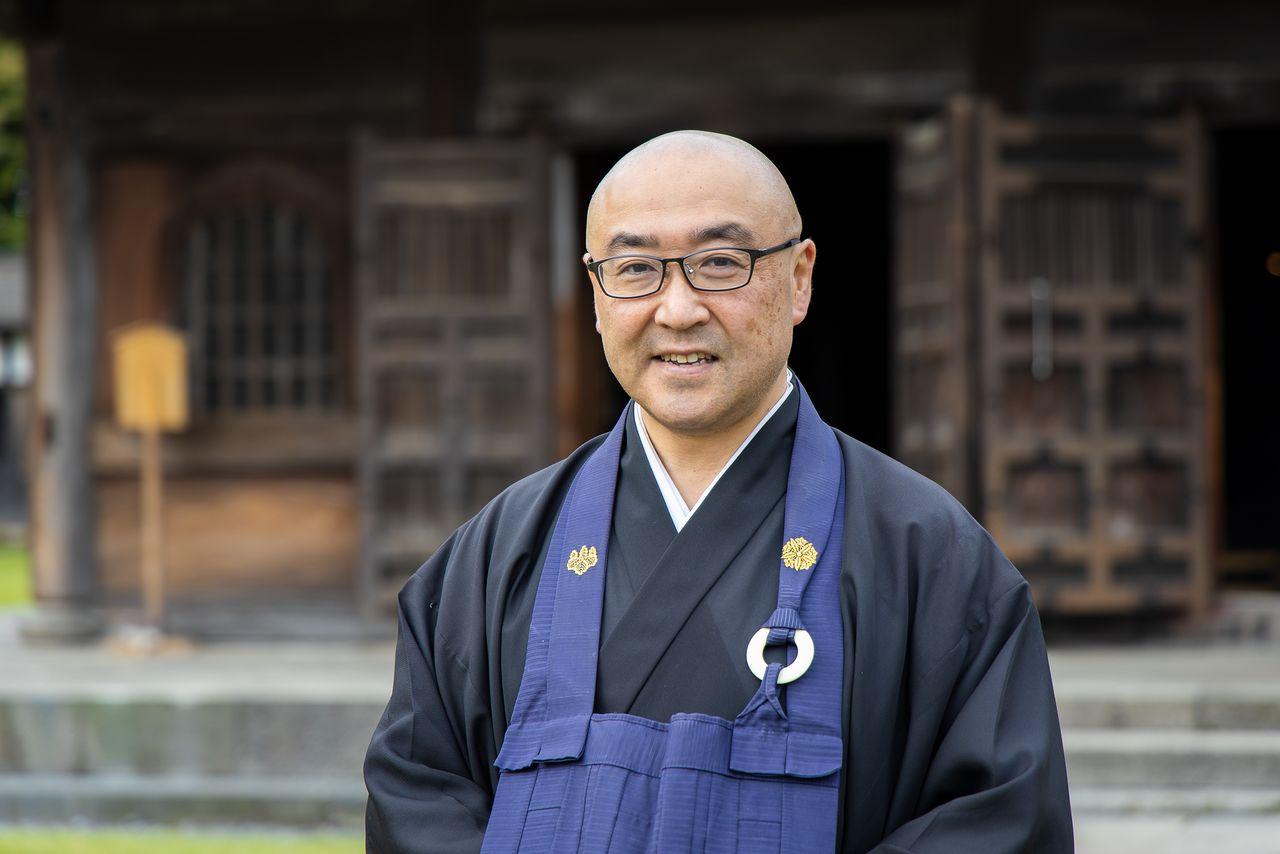 Yotsuya Dōkō, chief priest of Zuiryūji.