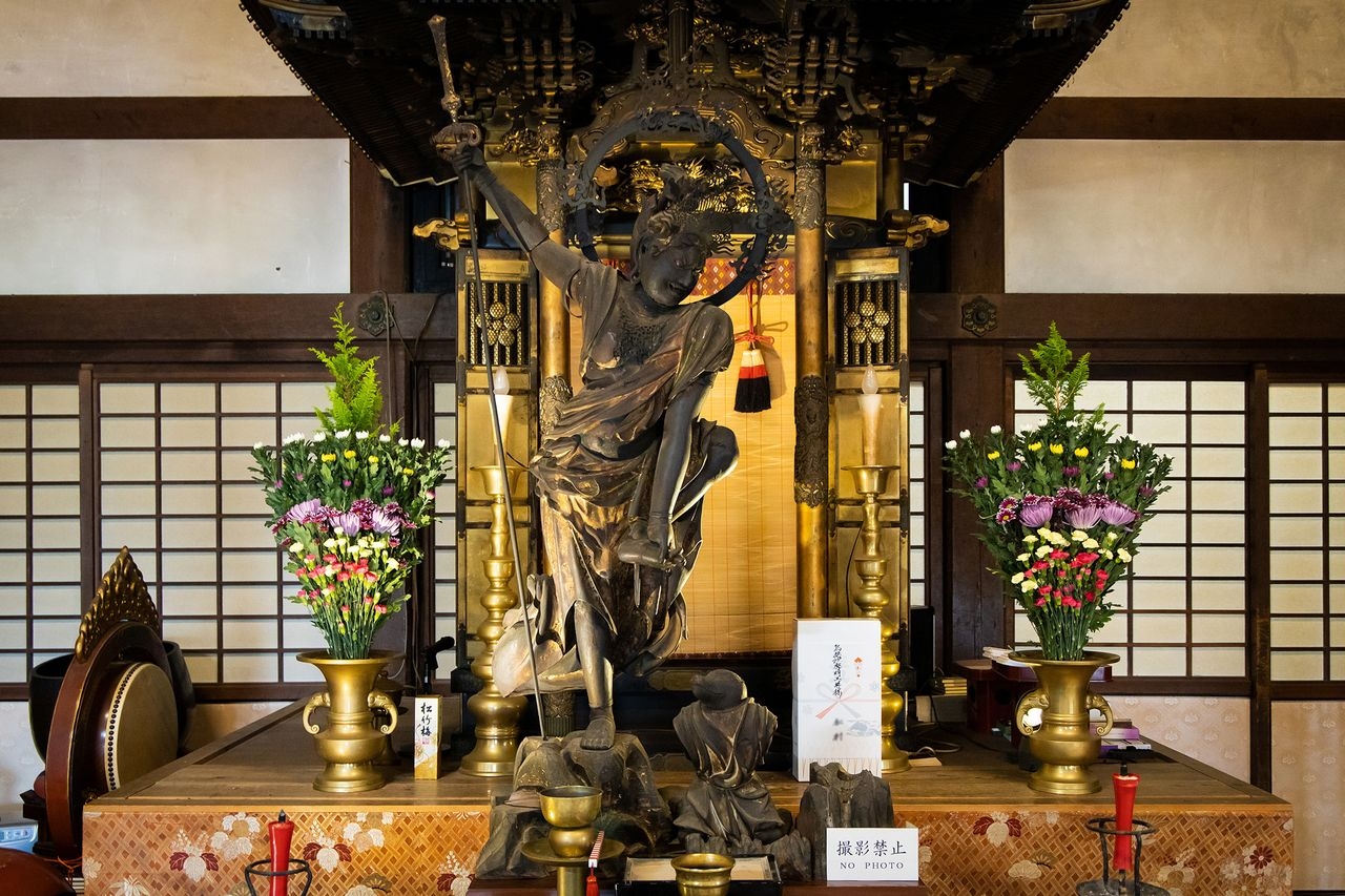 The statue of Ususama Myōō is only displayed to the public at certain times of the year.