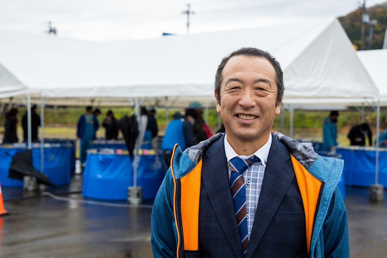 Nogami Hisato, manajer Peternakan Nogami Koi.