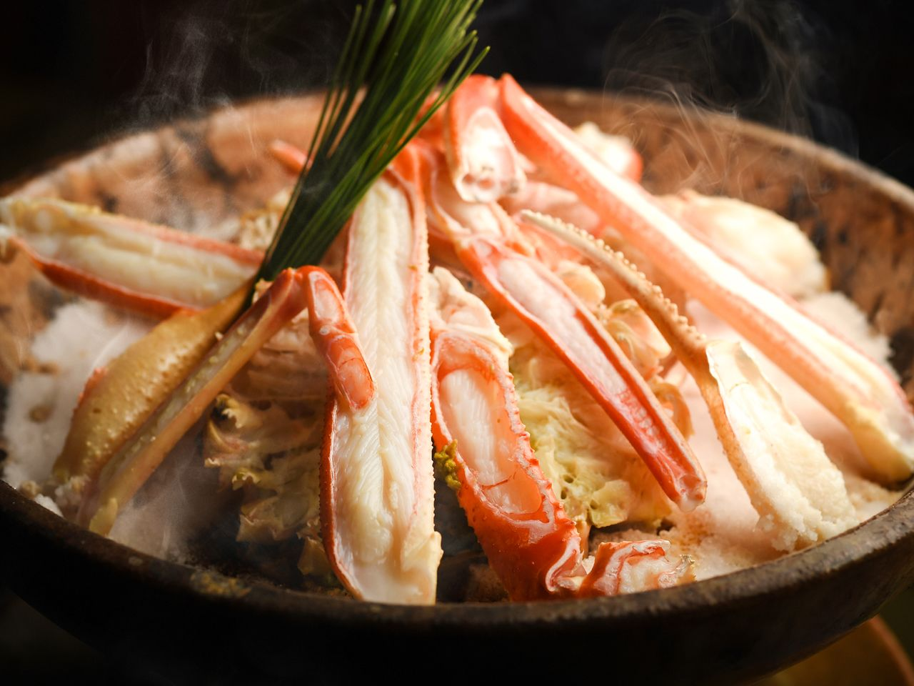 The taiza-gani is not a common catch, making its flavor all the more treasured by gourmets.