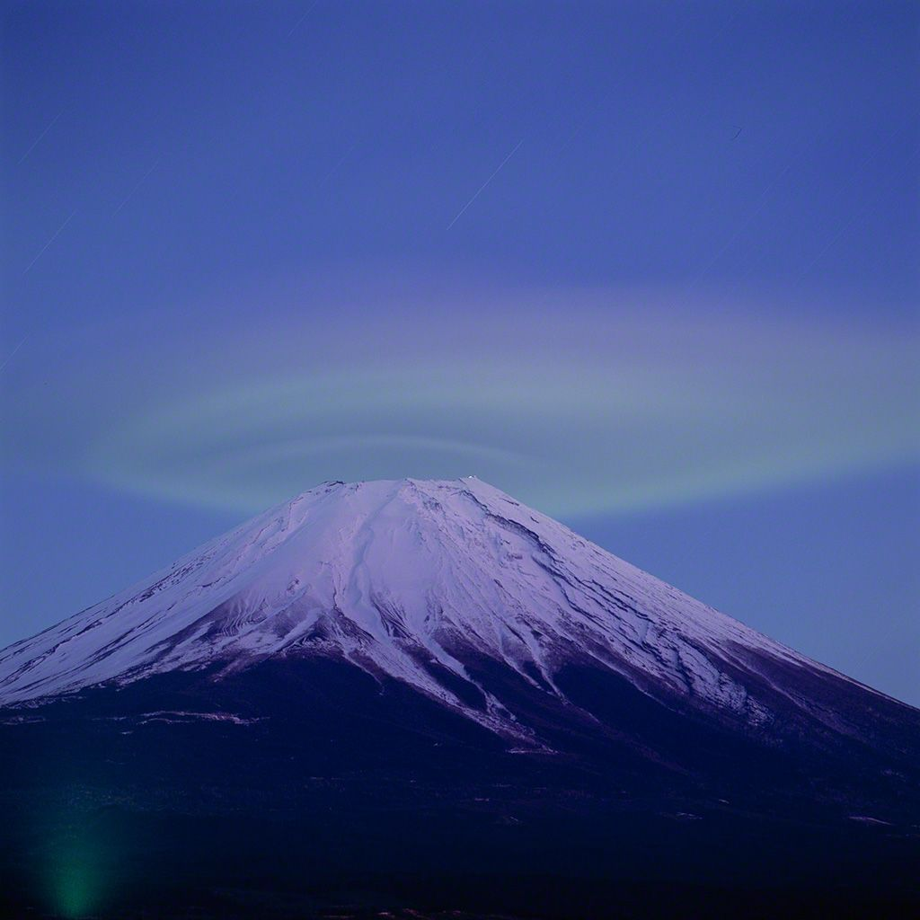 Greenish crest cloud above Fuji (February)