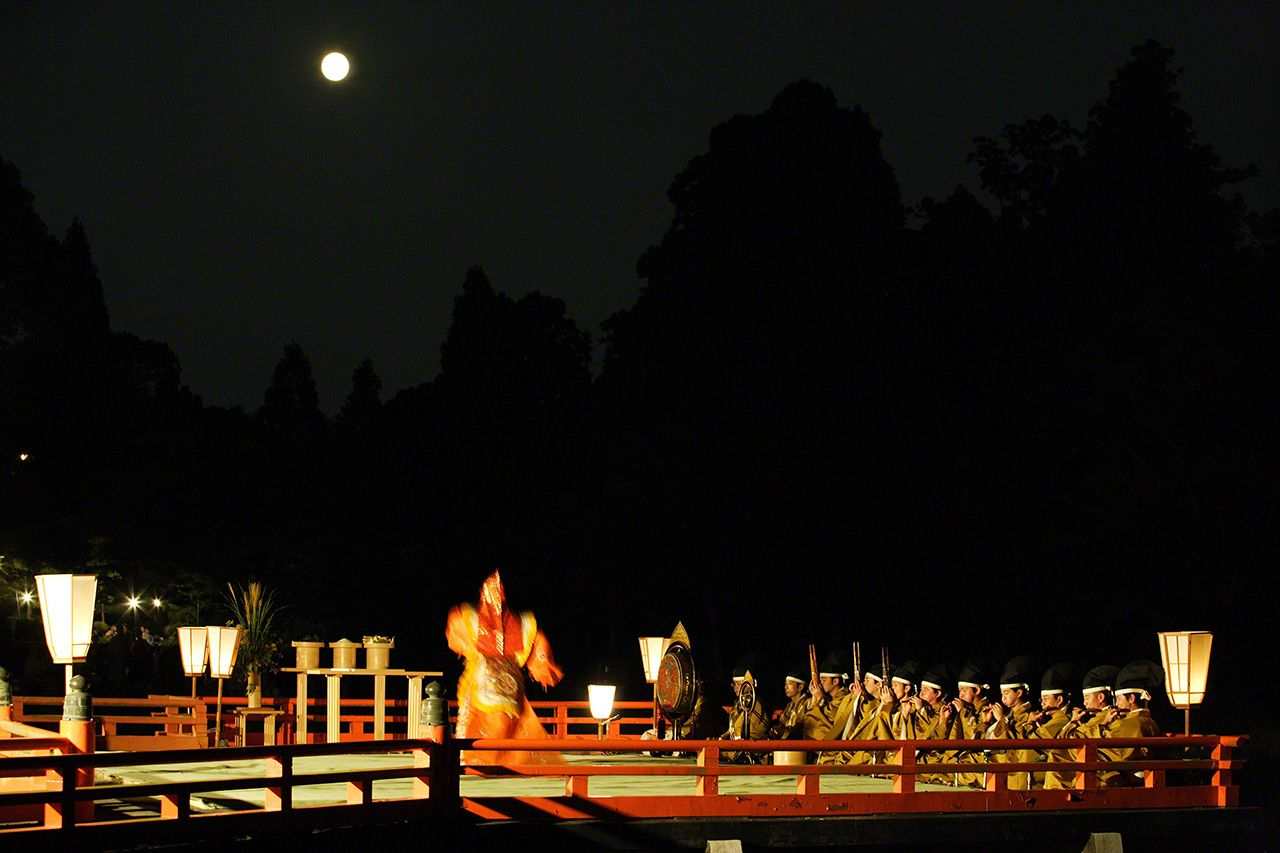 September 18 A performance of traditional music and dance under the mid-autumn harvest moon.