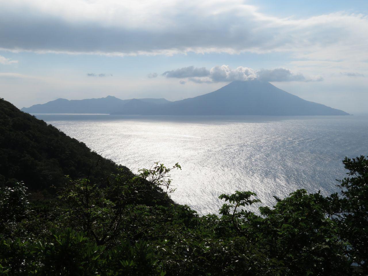 Nakanoshima, dilihat dari jauh. (© Pixta)