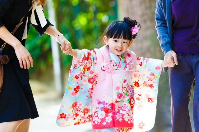 A three-year-old girl taking part in the Shichi-Go-San festival.