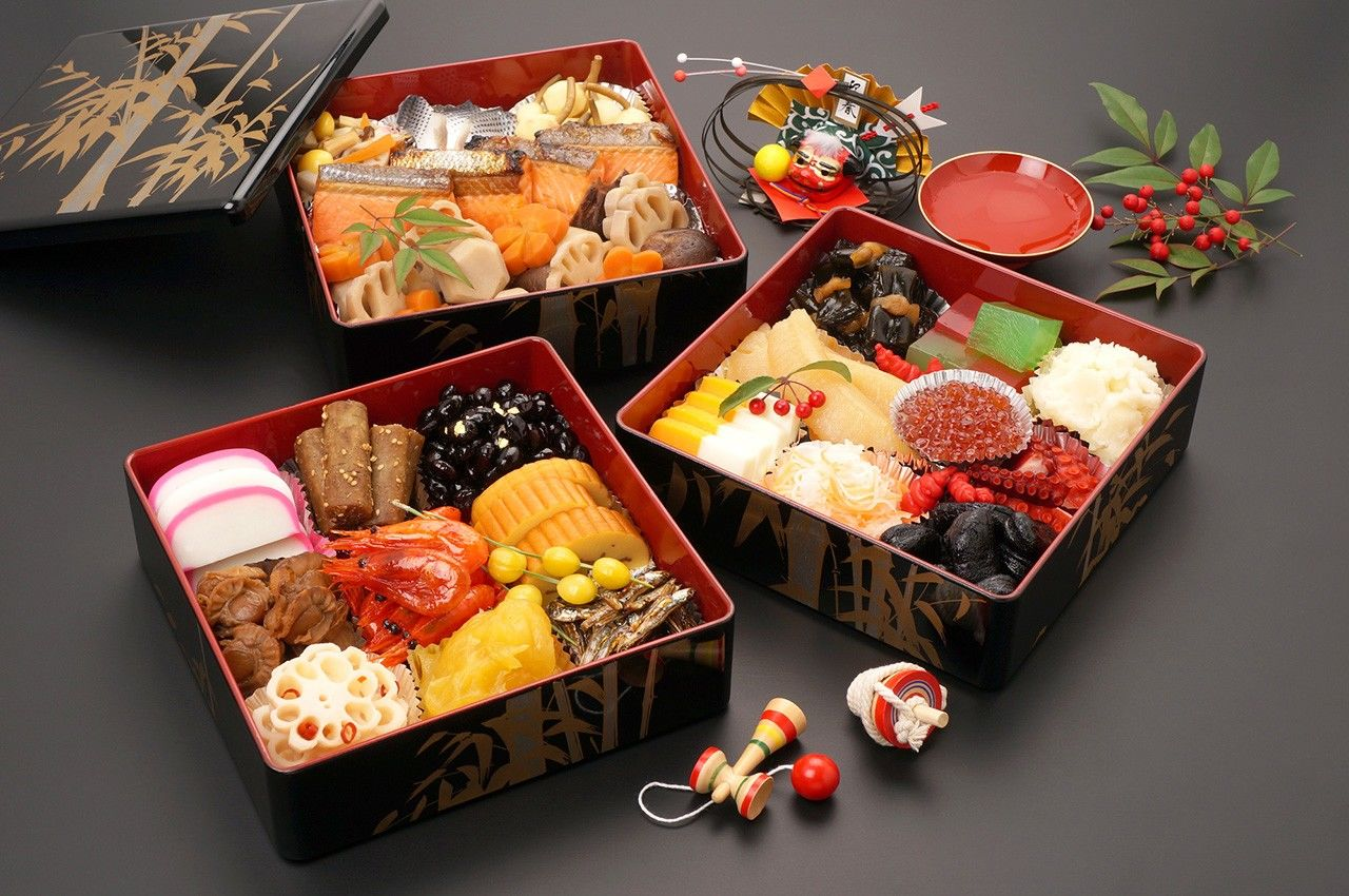 Many kinds of osechi ryōri for New Year consumption.