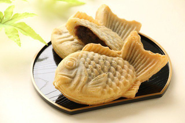 Sea-bream-shaped taiyaki are a treat for the eye and palate, and have long inspired debate between fans who prefer to take the first bite from the bean-filled head and those who start with the crunchier tail.