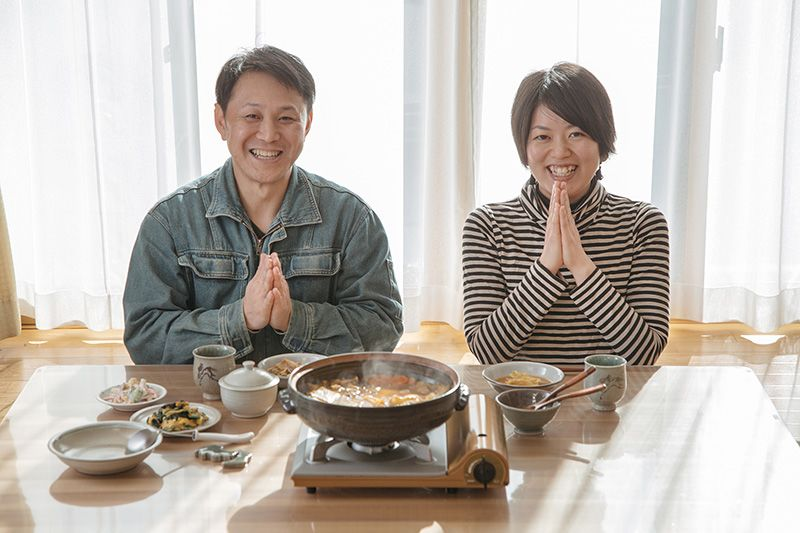 Masanori and Kaori enjoy a meal together. All the pottery in use is Sōma ware, a perfect match for their peaceful way of life.