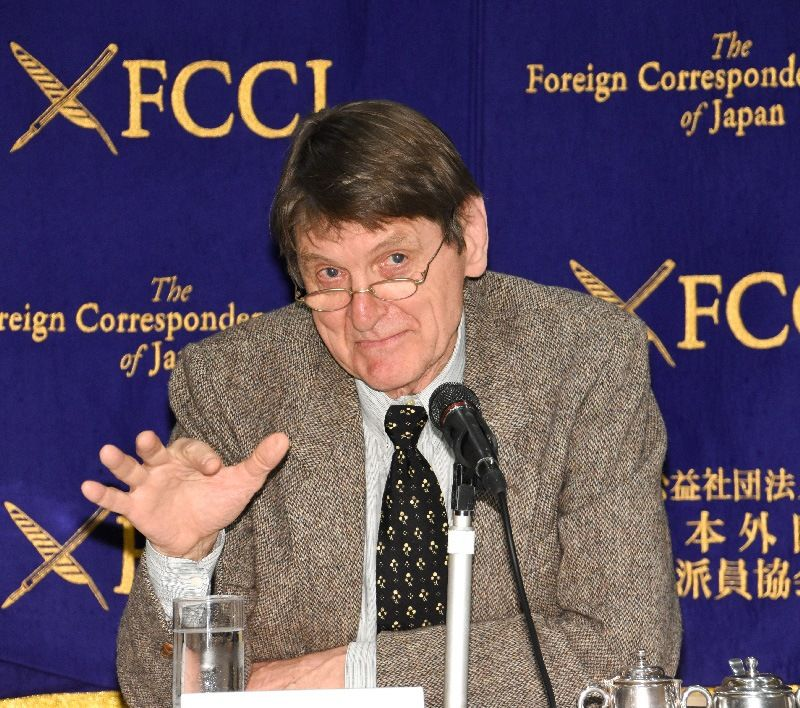 Timothy Harris speaks at the Foreign Correspondent's Club of Japan on February 26, 2019. (© FCCJ)