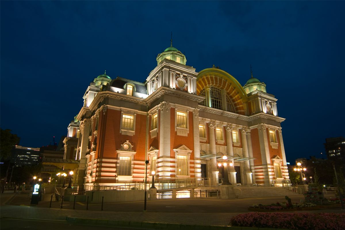 Osaka City Central Public Hall was designated as an important cultural property in 2002. (© Osaka Convention and Tourism Bureau)