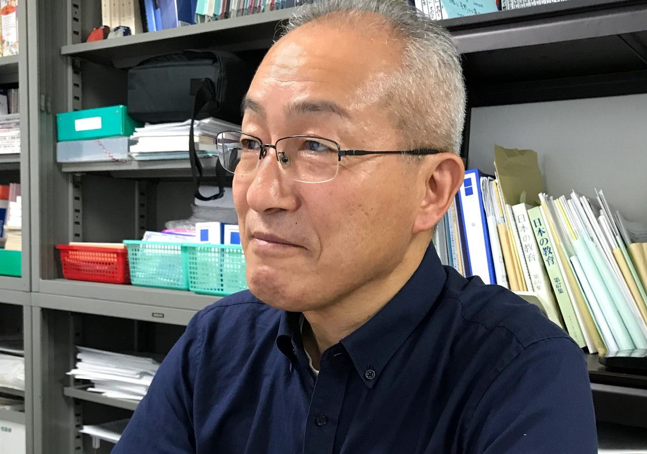 A former student's angry comment opened Mizuno Tetsuo's eyes to the need for proper sex education.