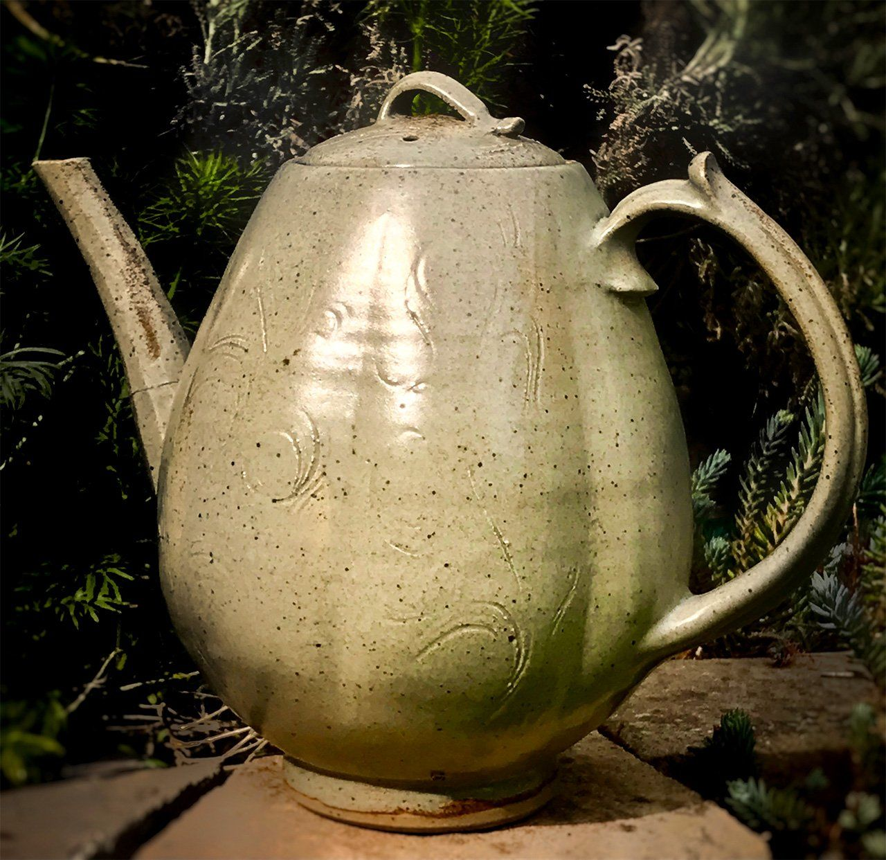 A teapot made by David Kendall's father. (© David Kendall)