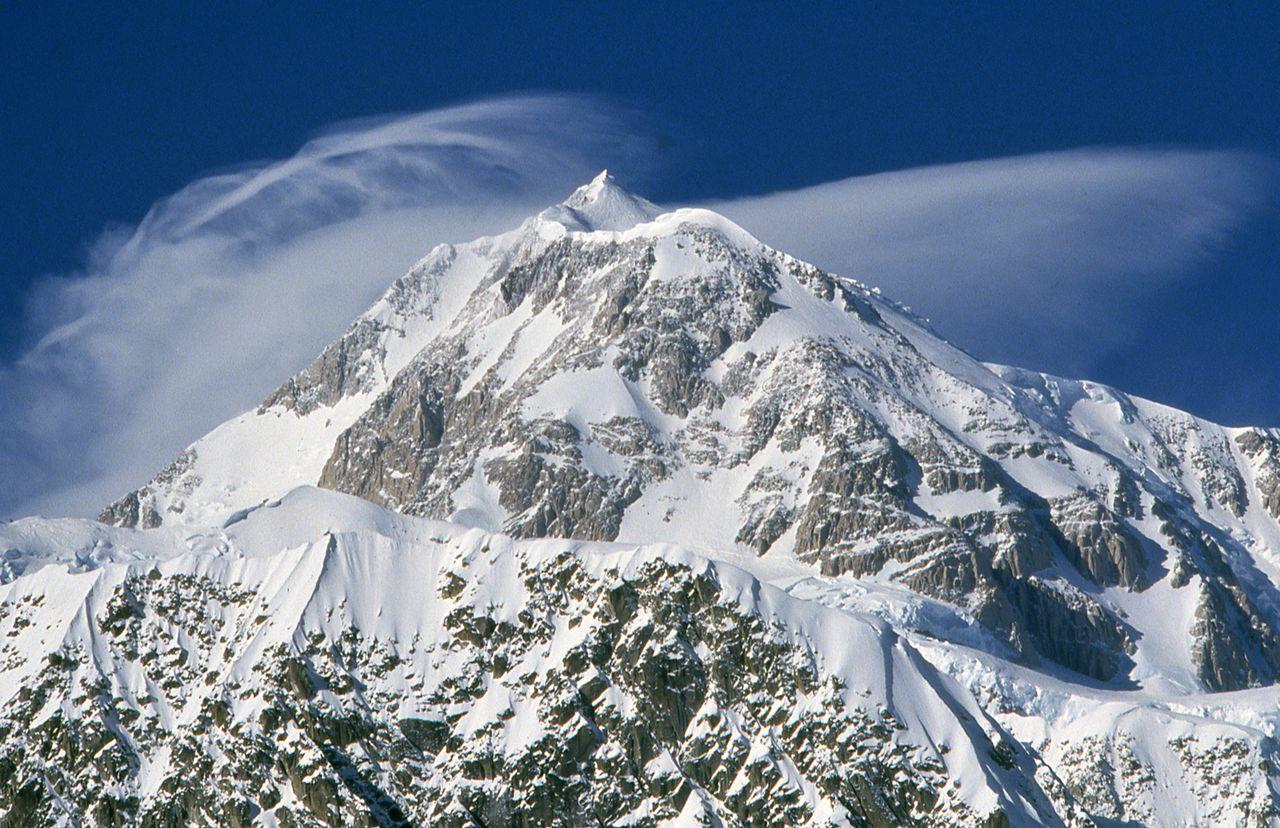 Denali di musim dingin. Sisa-sisa Uemura tidak pernah ditemukan dari gunung. (© Yanagi Akinobu)