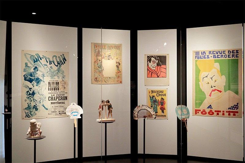 This section is inspired by the shows and events that took place in Paris during the Belle Epoque period from the end of the nineteenth century until the outbreak of World War I. On the right is a poster for an appearance by Lafitte created by Georges Goursat, known as Sem, one of the most famous cartoonists in France at the time (1863–1934).