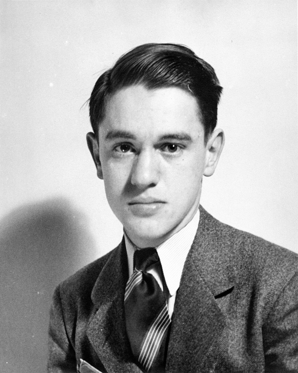 Donald Keene, aged 16, around the time that he entered Columbia University in 1938. (Courtesy Donald Keene Center Kashiwazaki)