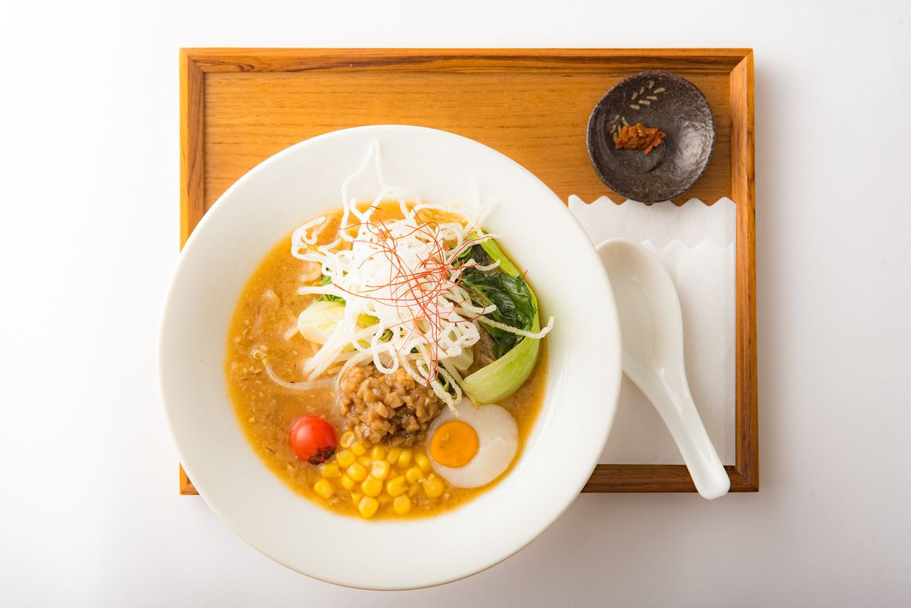 More than high-class cuisine, what travelers to Japan really want to eat is ramen and convenience-store oden.