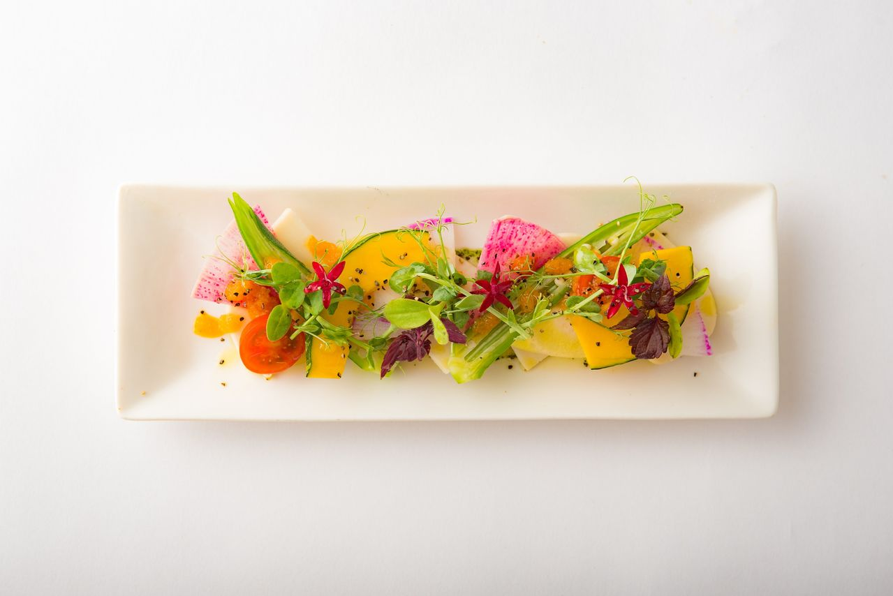 A salad course at Saidō pleases both the eye and the palate.