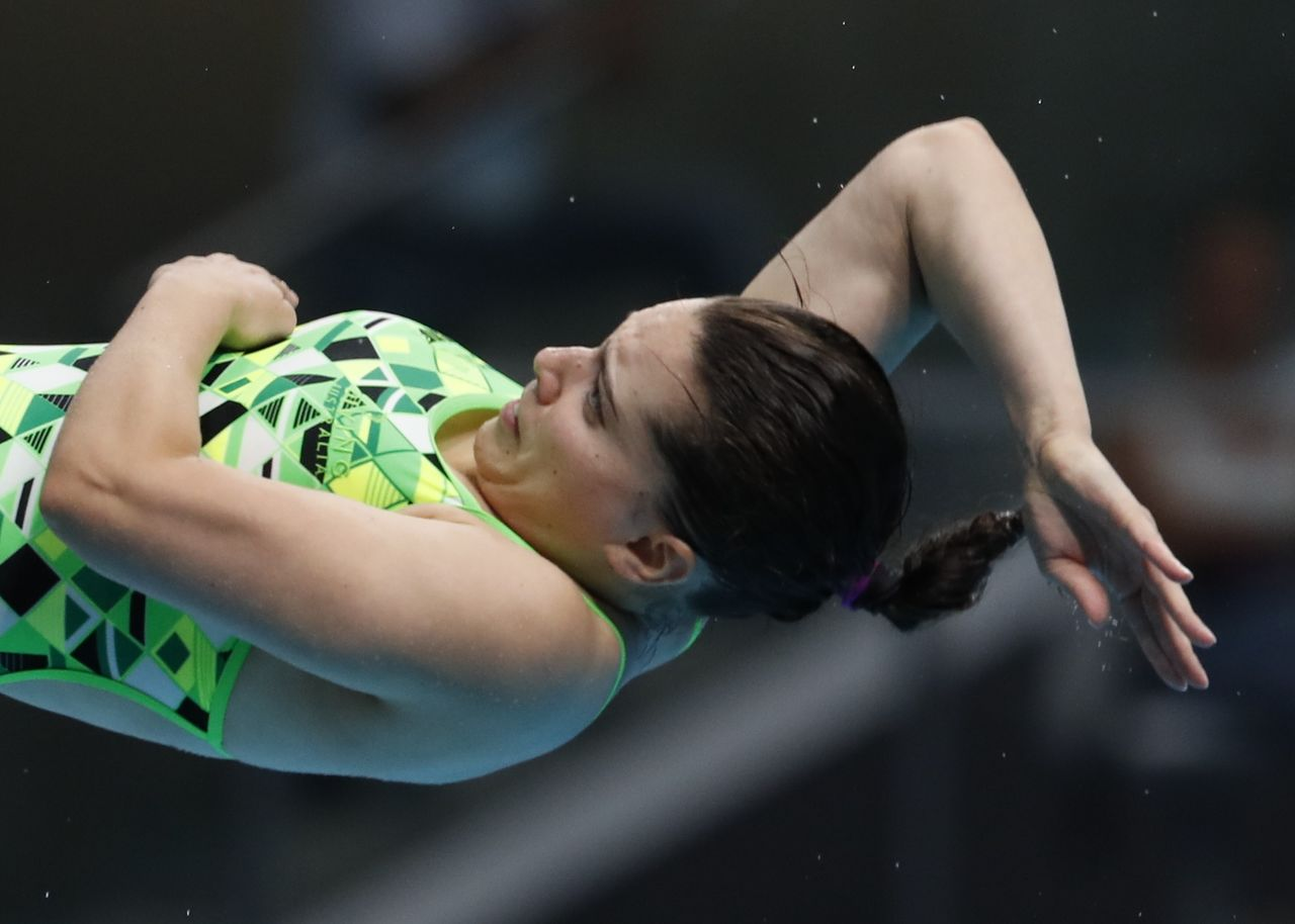 FILE PHOTO: Diving – 17th FINA World Aquatics Championships – Women's 3m Springboard Semifinal – Budapest, Hungary – July 20, 2017 – Anabelle Smith of Australia competes. REUTERS/David Balogh