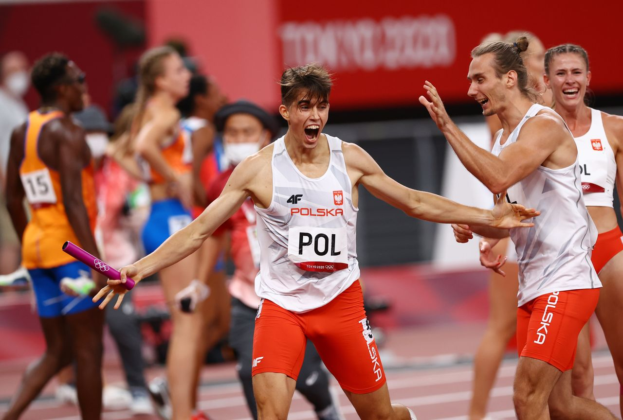 Olympics-Athletics-Poland win first 4x400m mixed relay ...