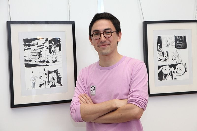 "Japanese-Spanish manga artist Ken Niimura won the fifth International Manga Award grand prize (presented by the Ministry of Foreign Affairs) for his work ""I Kill Giants."" (Photo taken in the Cervantes Cultural Center booth at the International Manga Fest.)"