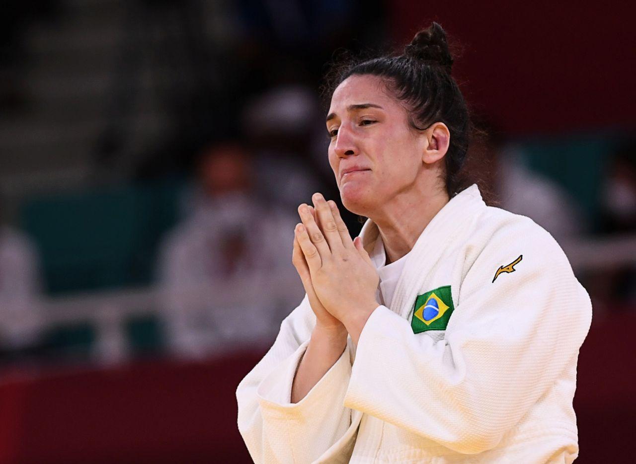 29 lipca 2021. Czwartkowe zdjęcie Brazylijki Mayra Aguiar reagującej po zdobyciu brązowego medalu w judo do 78kg.  Zdjęcie: Angrett Hills/Reuters