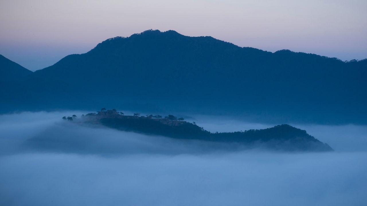 Un Chateau Dans Les Nuages une forteresse japonaise dans les nuages : les ruines du
