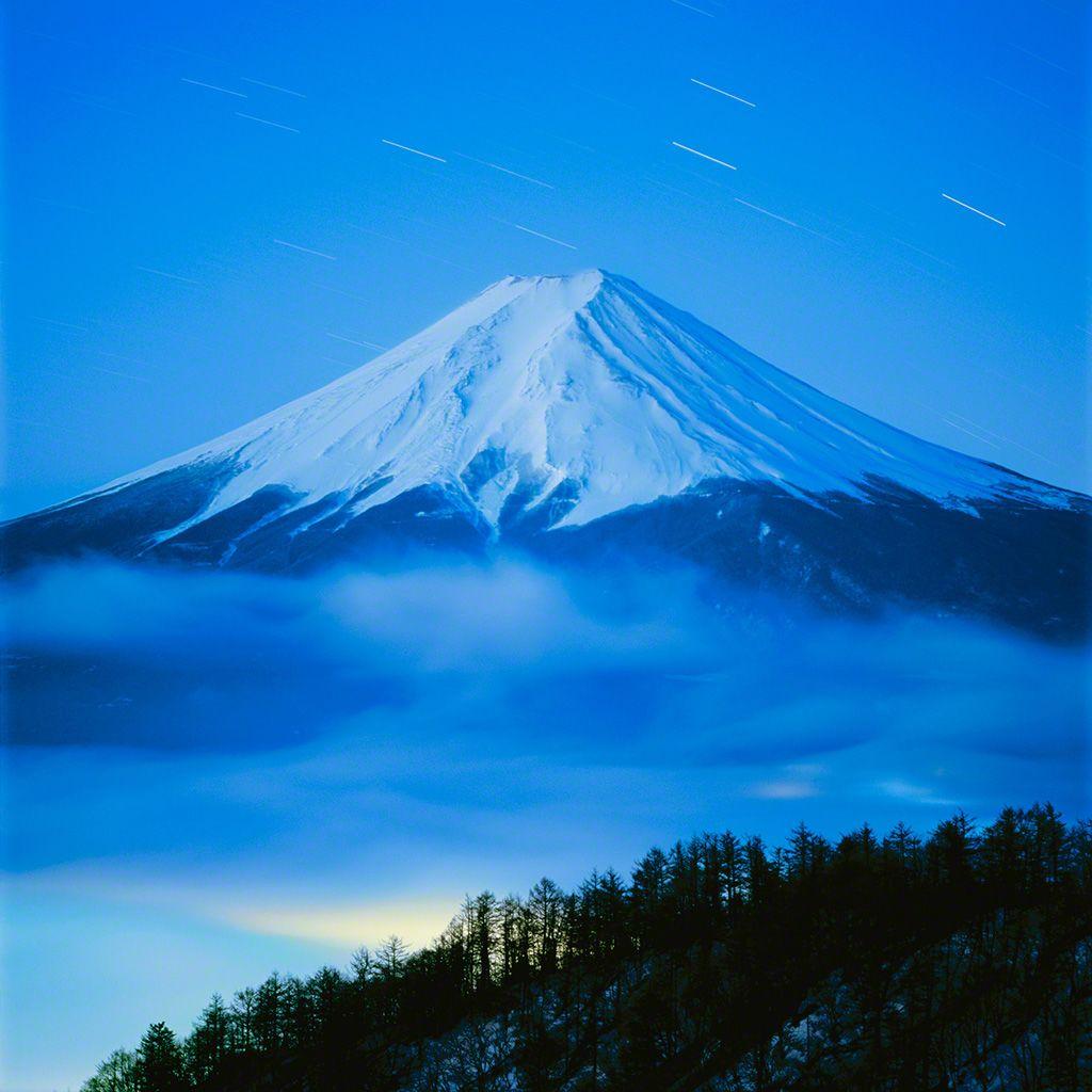 6. 富士山的黎明。 2月。