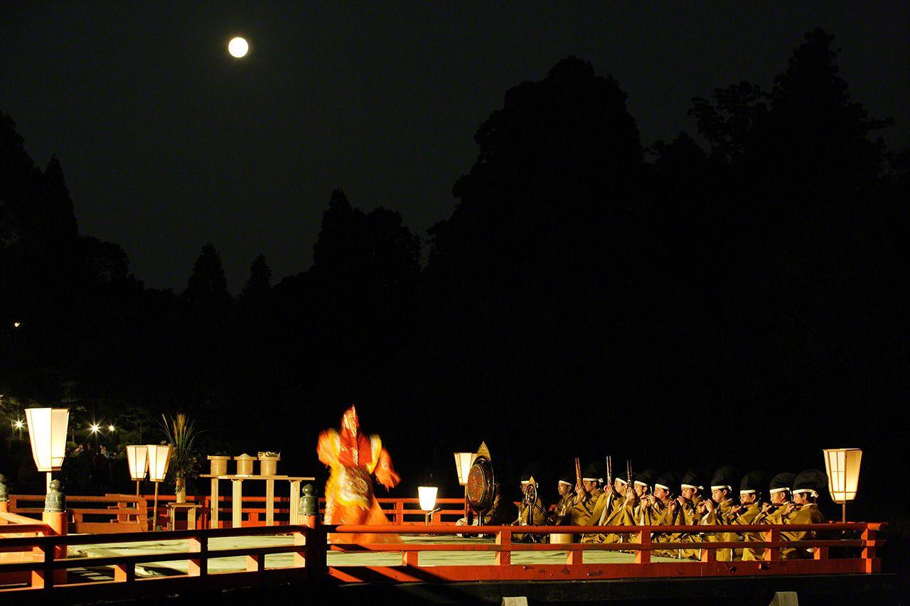 9月18日 中秋明月下的觀月會,古樂聲中翩翩起舞