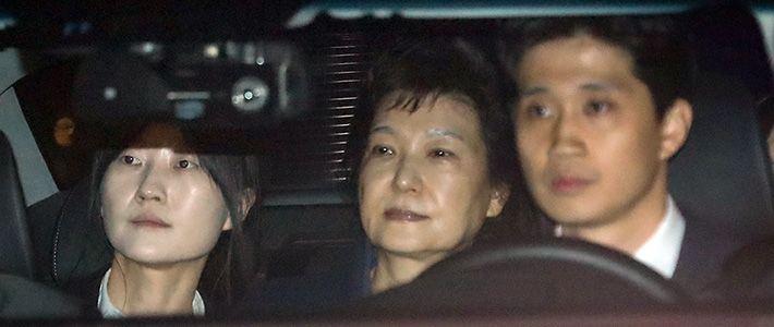韓国次期政権と国際関係:朴槿恵外交の「負の遺産」に直面 | nippon.com