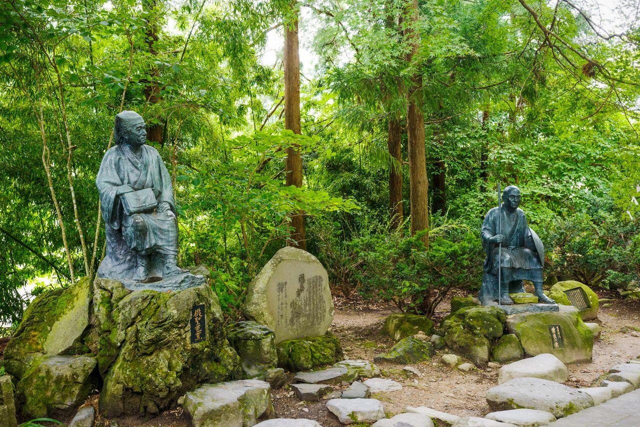 天空の古刹「山寺」:松尾芭蕉の名句で知られる山形・宝珠山立石寺