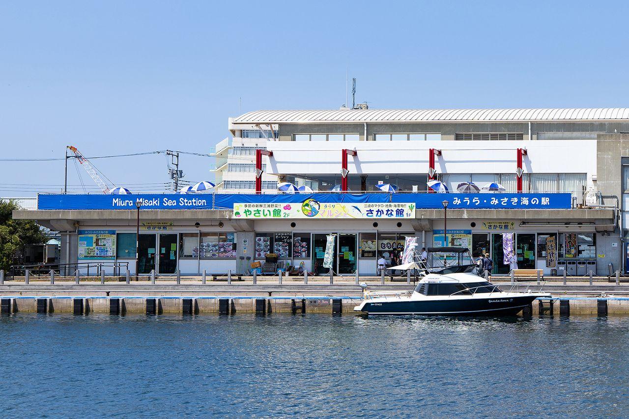 三浦半島の食材がズラリと並ぶ「うらりマルシェ」
