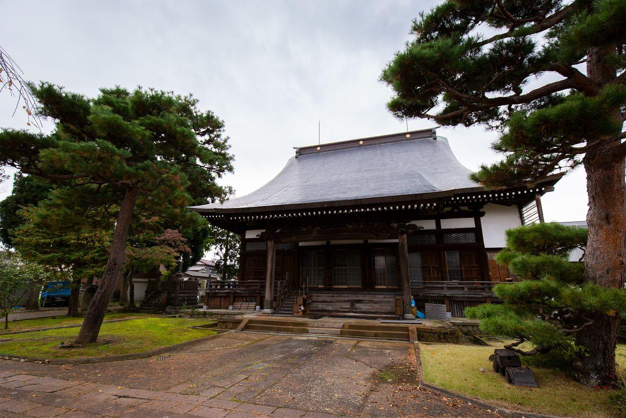 長岡藩は小千谷談判が決裂した後、光福寺を本陣として、新政府軍が占拠していた榎峠を奪還した