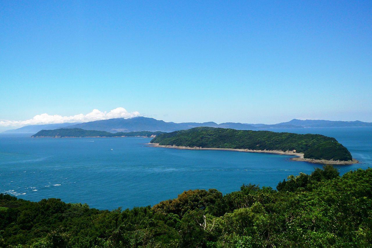 深山第一砲台跡の展望所から友ヶ島を望む 写真提供:公益社団法人 和歌山県観光連盟
