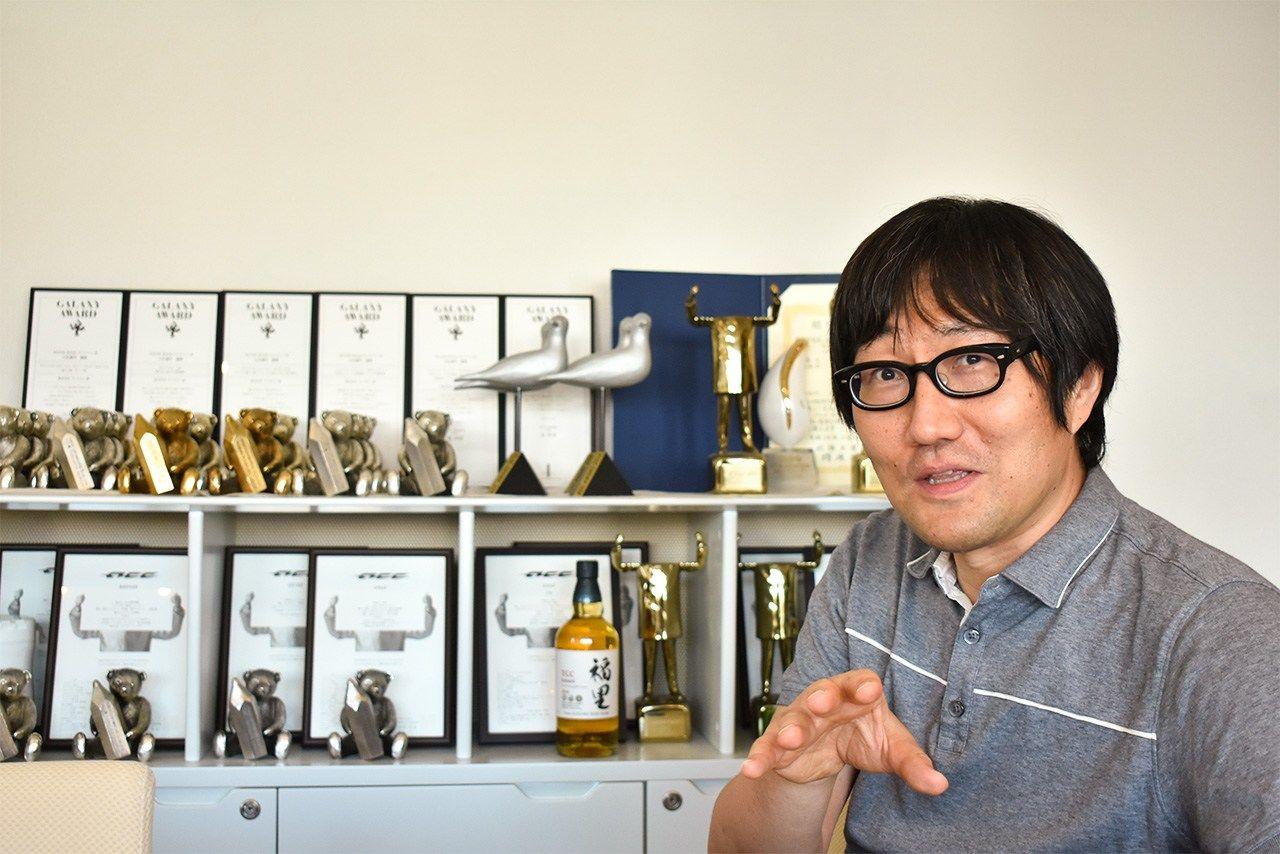TCCグランプリ賞、TCC賞(20回)、ACCグランプリ賞(3回)など数々の受賞をした。