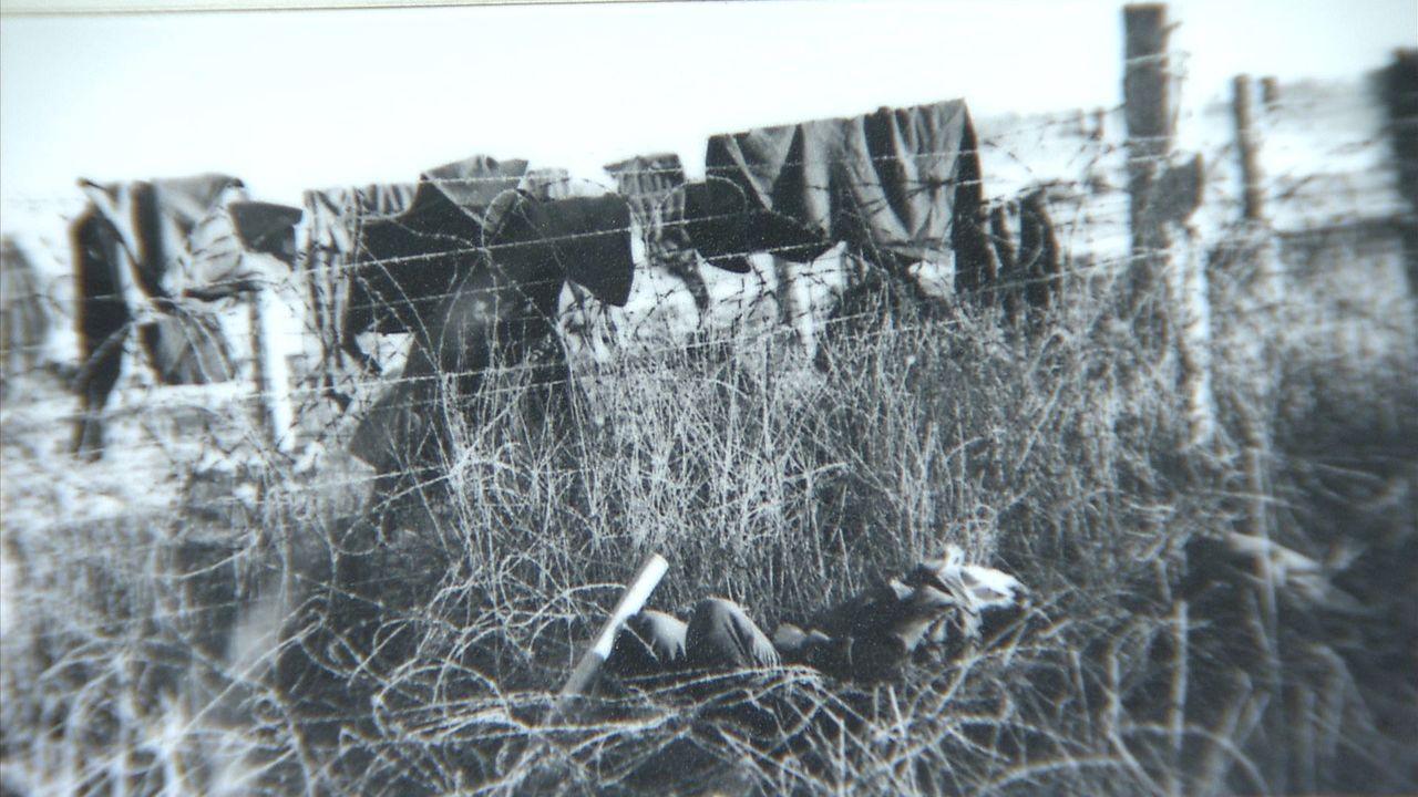 事件後の捕虜収容所。捕虜たちは毛布を掛けて鉄条網を乗り越えようとし狙撃された ©瀬戸内海放送
