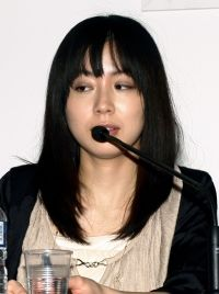 日本の「女性作家」にフランスの聴衆は耳を傾けた | nippon.com