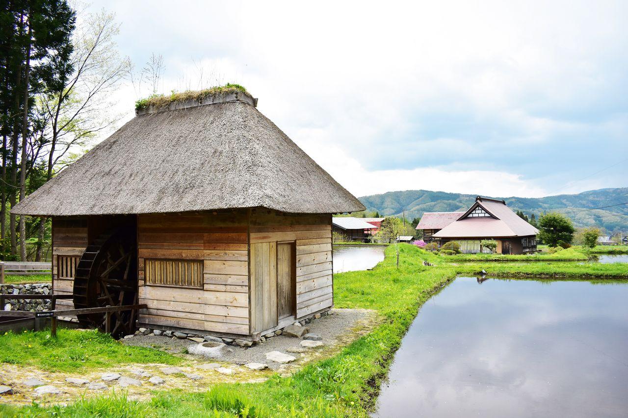 «Водяное колесо Ямагути», одна из достопримечательностей Тоно, когда-то использовалось для обмолота и измельчения зерна