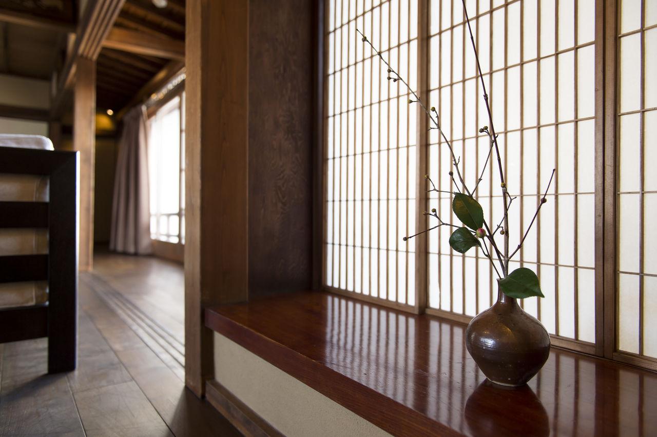 В обновленном интерьере бережно сохранены элементы традиционного японского стиля