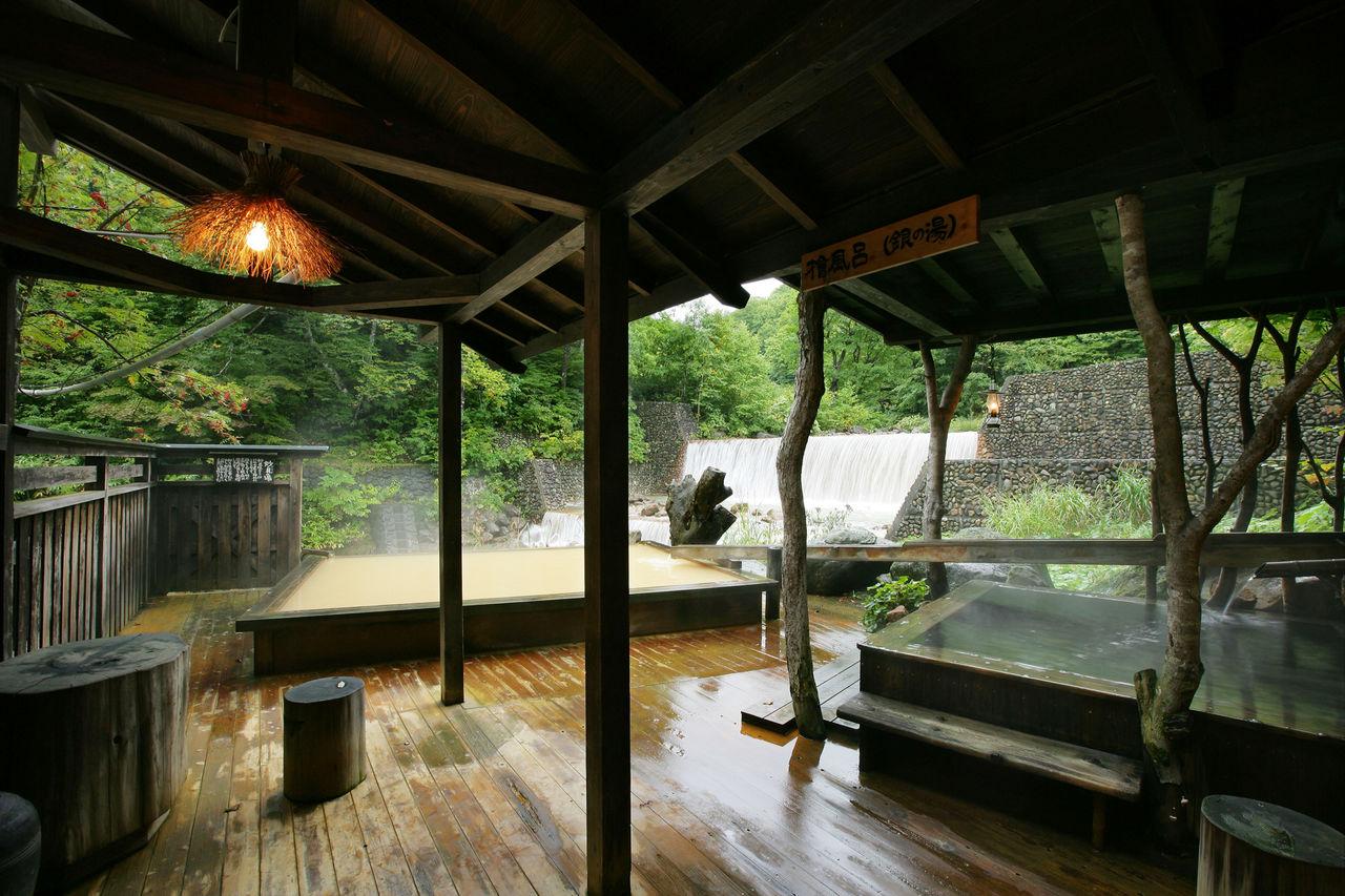 Ванна Таэною – купальный бассейн под открытым небом