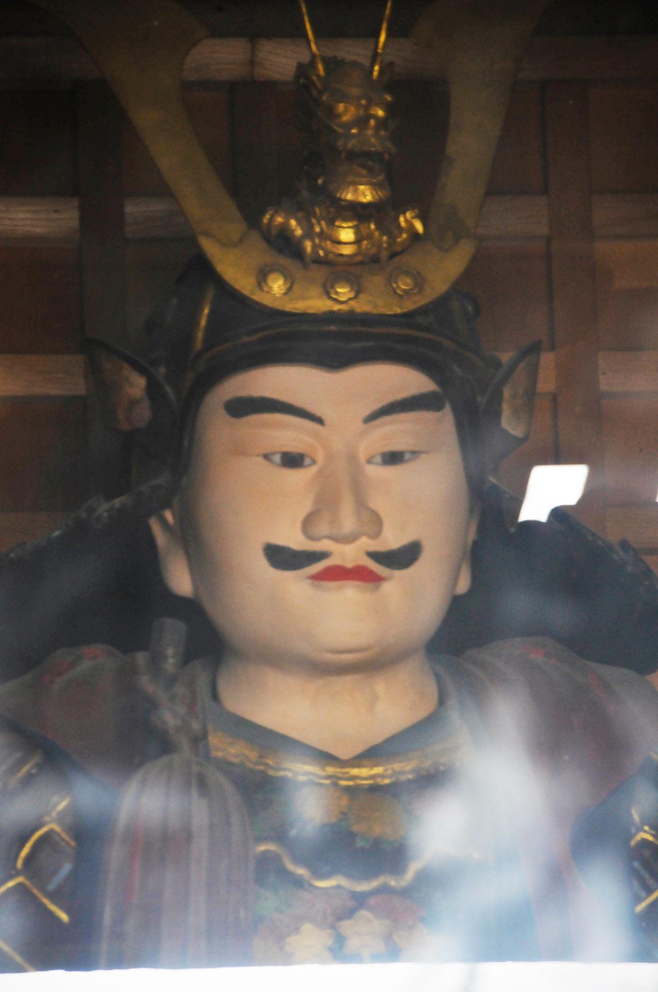 Скульптура Минамото-но Ёсицунэ