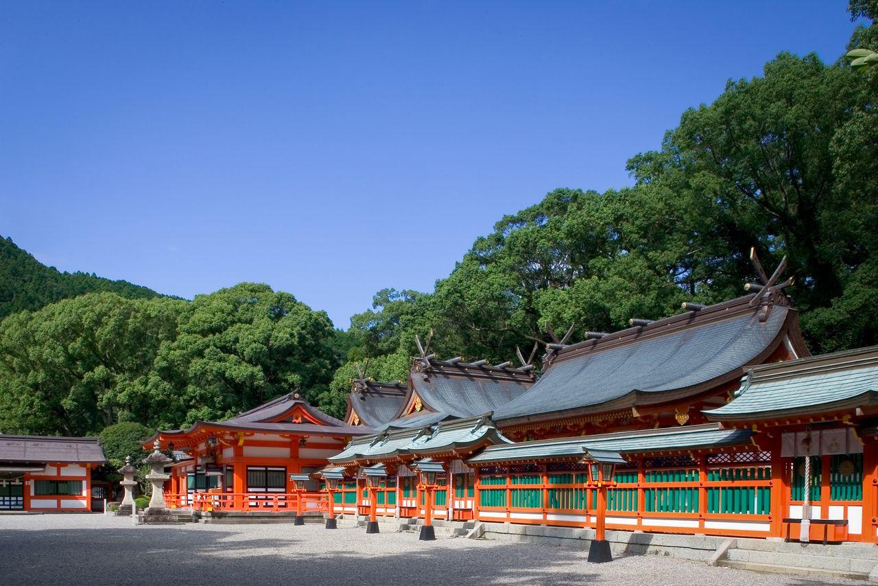 Святилище Кумано Хаятама-тайся (г. Сингу) (фотография предоставлена Федерацией туризма префектуры Вакаяма)