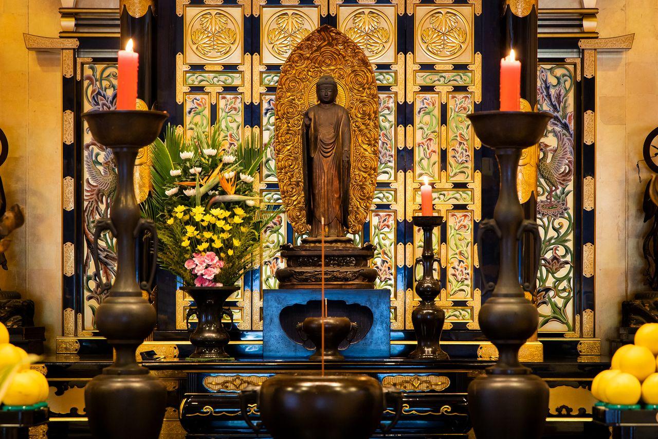 Чёрное изображение Будды Амиды демонстрируется публике три раза в год, 15 января, 15 мая и 15 сентября
