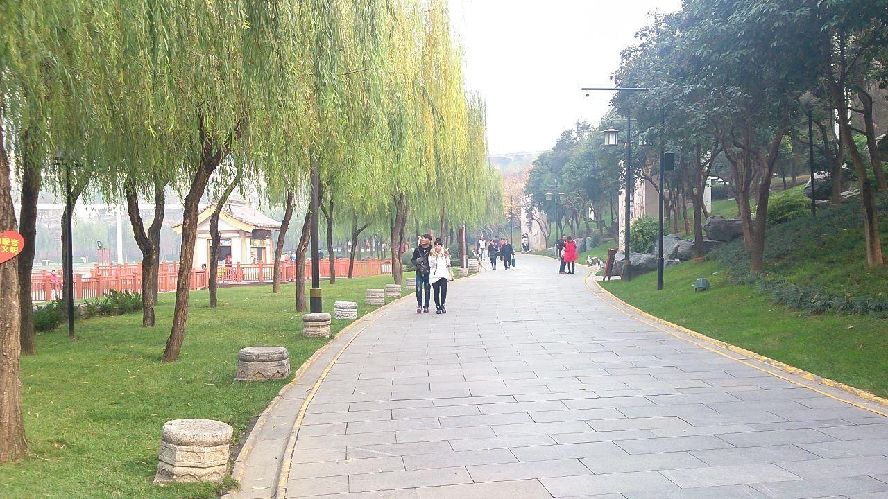 Исторический парк Цюйцзян (фото автора)